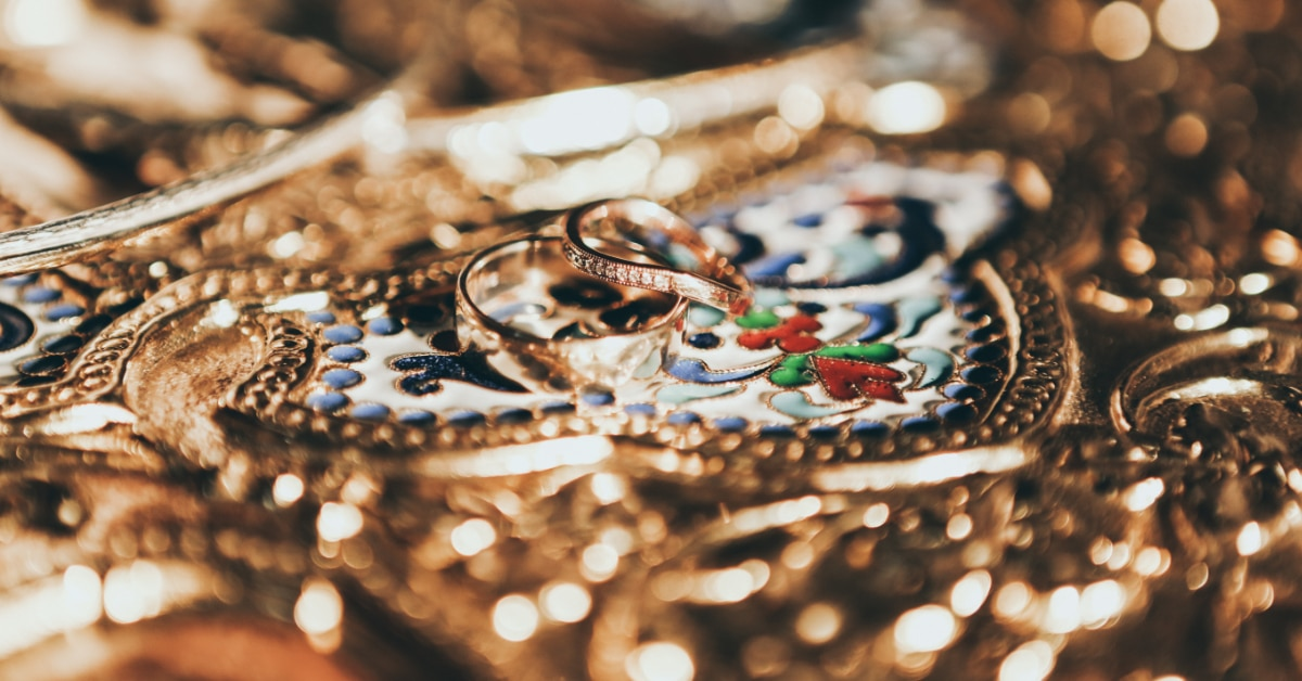 Jewelry | 10 Common English Words You Are Probably Pronouncing Wrong
